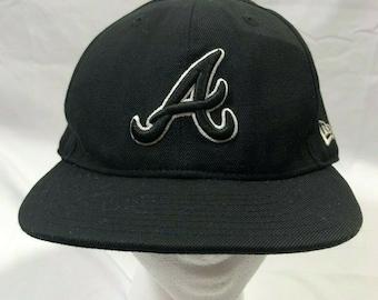 timeless design 02263 e6978 Atlanta Braves New Era 59Fifty Fitted 7-1 2 Black Hat