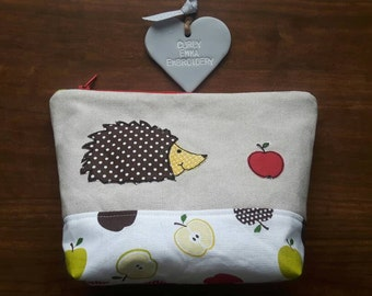 Hedgehog applique make up bag using machine free- motion embroidery, Toiletry bag, Zip-Pouch, wash bag, cosmetic case
