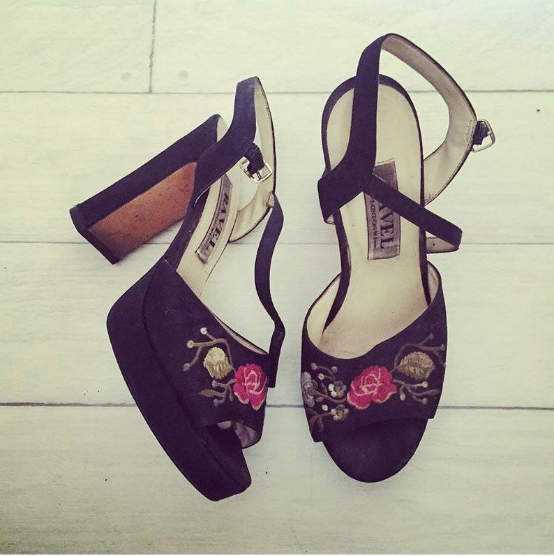 UK 6 Stunning vintage 1980s platforms black silk with floral embroidery block slingback heels by Ravel euro 39