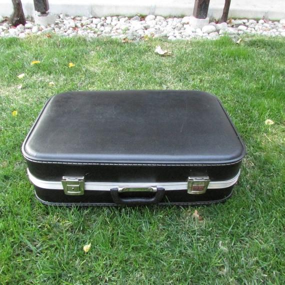 Black travel suitcase - Retro suitcase - Artificia