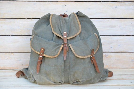Old canvas middle  backpack, Vintage military back