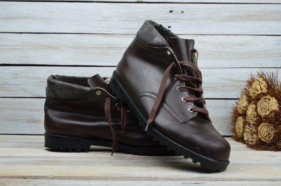 Leather tourist shoes - Brown leather shoes - Ladi
