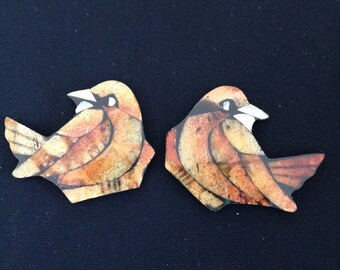 Wood lacquer mother of pearl PAIR of birds
