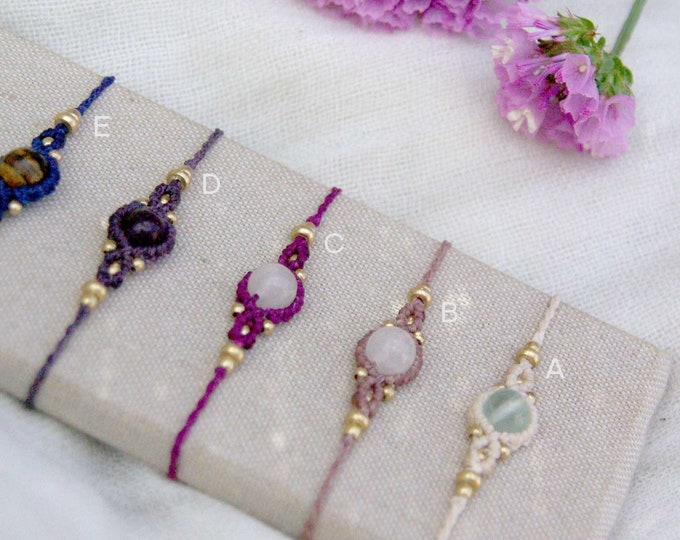 Mod. Andrea bracelet, with brass, natural stone, friendship bracelet, macrame bracelet, nickel free, water resistant, free shipping