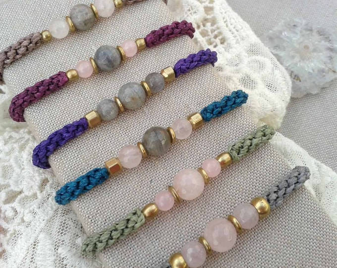 Macrame bracelet with labradorite and rose quartz, bracelet yoga, talisman stone, brass bracelet, bracelet colors, amulet, free shipping