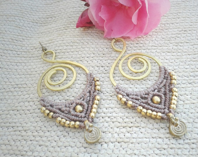 Macrame Earrings  mod. Bakar, brass jewelry, nude color, nickel free, fairy jewelry, joyería tribal, spiritual jewelry, brass spiral