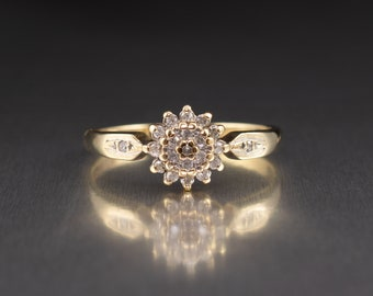 9ct Gold Ladies Diamond cluster Ring 0.20 Carats UK/AU Size O, Vintage Pre Owned Jewellery English Hallmarks, Diamond Engagement Rings