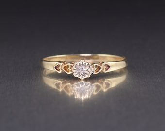 9ct Gold Ladies Diamond Solitaire Ring With Heart Shoulders Vintage Diamond Heart Ring UK/AU Size O/P pre-owned Rings Vintage fine Jewelry