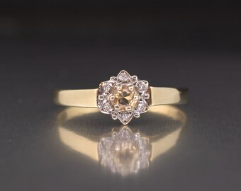 Citrine & Diamond flower Ring 9ct Yellow Gold Pale Yellow Citrine Ring Daisy Flower Rings Ladies Diamond Engagement Rings Vintage Pre Owned