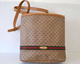 6122b80d8baf FREE Ship Gucci Bucket Bag Purse Double GG Monogram Beige Vintage Authentic  Crossbody Shoulder Handbag