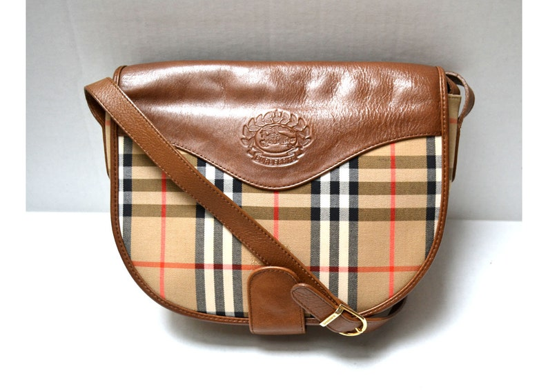 FREE Shipping Burberrys Vintage Authentic Shoulder Bag  8dd76a266b4f9