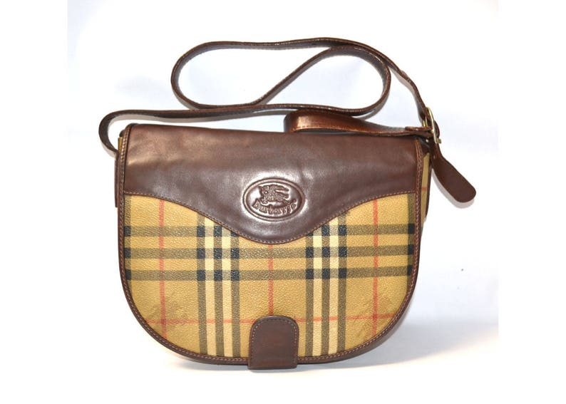 FREE Shipping Burberrys Vintage Tan Shoulder Bag Crossbody Medium Handbag  Purse Nova Haymarket Check Brown Leather Trim 48cdc9eca5a5a