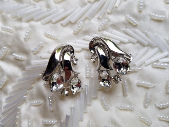Vintage Art Deco Elizabeth Morrey Silvertone Earrings Art Nouveau Designer Signed Clip on Earrings Morrey Jewelry Unique Wedding Glamour Wow