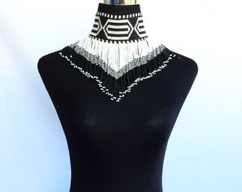 Black and white Lisa necklace
