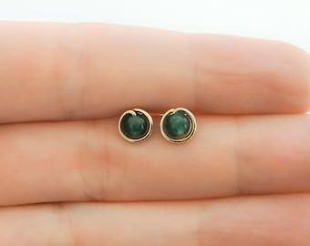 Green stone earrings BOU3