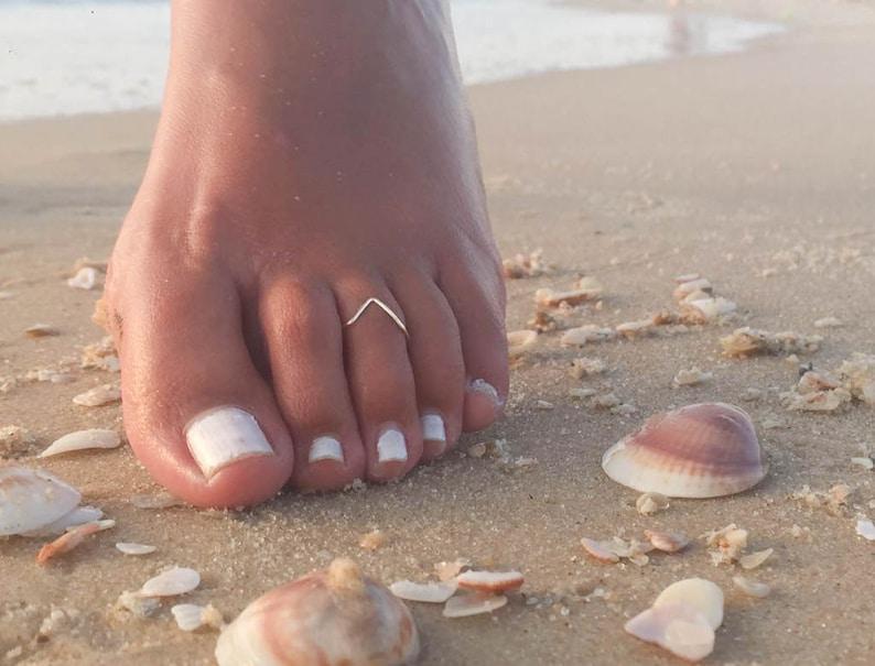 Chevron Toe Ring-Dainty Toe Ring-Tiny Toe Ring-Delicate Toe image 0