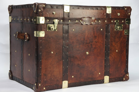 Wondrous Finest English Large Leather Steamer Trunk Coffee Table Evergreenethics Interior Chair Design Evergreenethicsorg