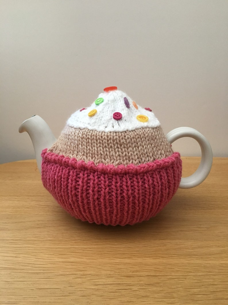 Small cup cake tea cosy novelty teapot cosy housewarming gift image 0