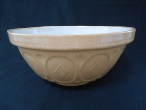 Large Tg Green Gripstand Mixing Bowl 1950 S 00111 Etsy