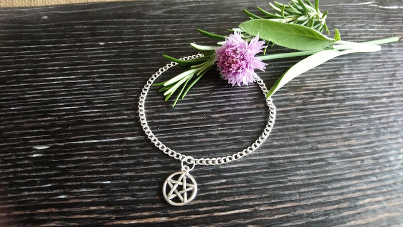 Beautiful silver plated pentangle charm anklet 9-11  image 0