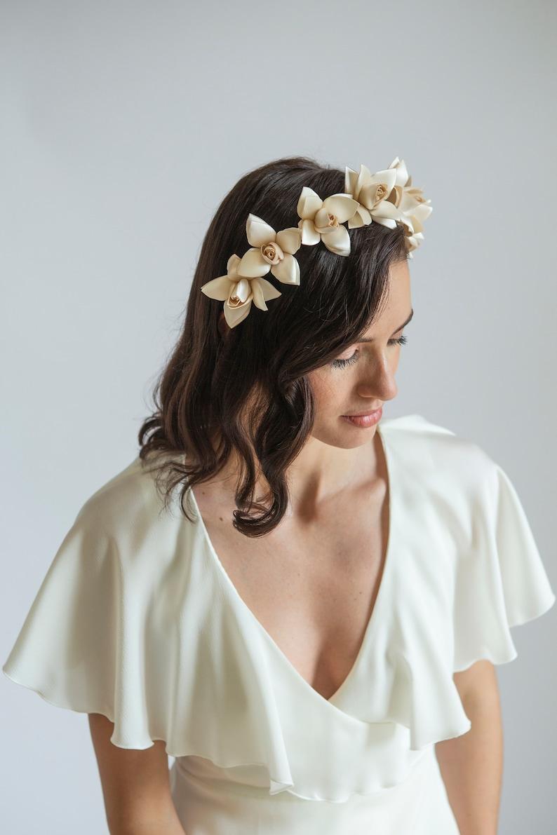 1930s wedding headpiece // Antique style Tiara // Cream image 0