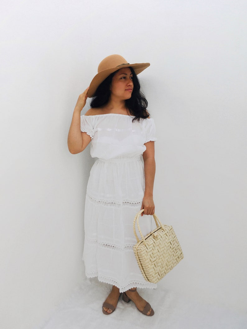 White Campesino Mexican dress With Sleeves