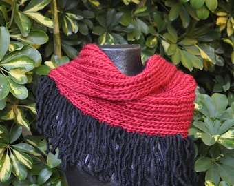 Red collar with black fringe