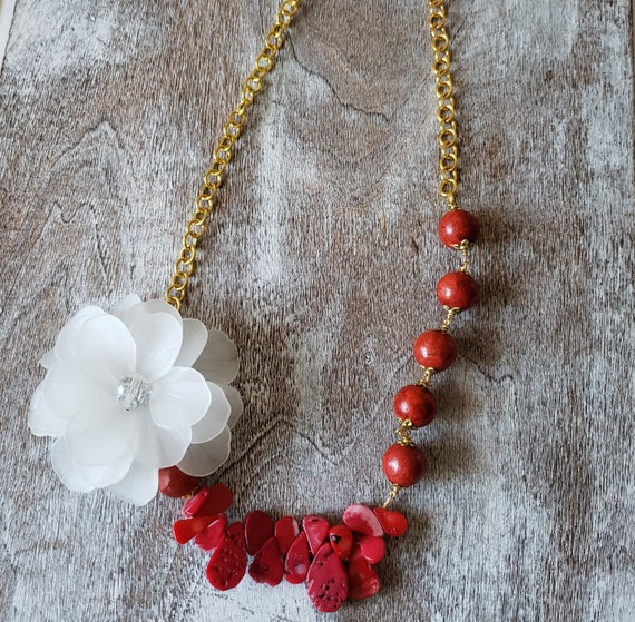 Coral & Lucite Flower Necklace Necklace