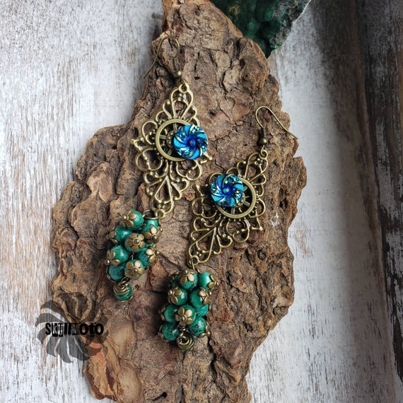 Irish Queen Filigree, Floral Druzy Cabochon and Malachite Cluster Earrings