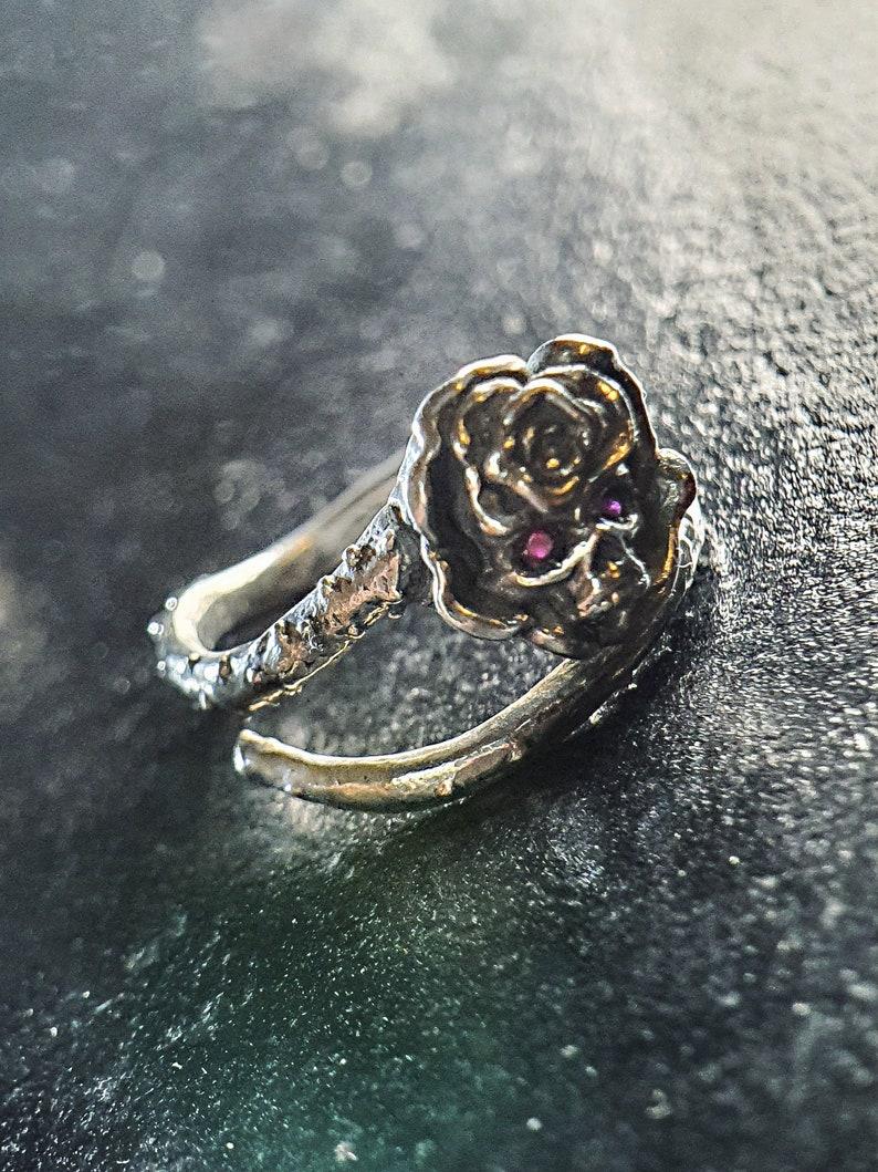 Dainty Rose Skull Ring