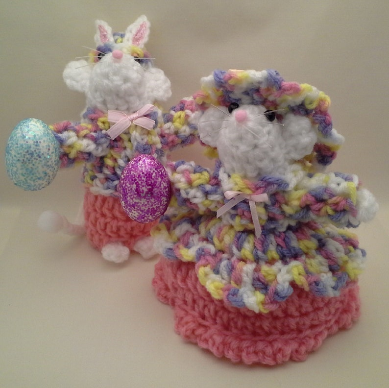 Spring Decor Table Decorations boy and girl set; Holiday Decorations Floral Decor Party Favors Crochet Easter Mouse Couple