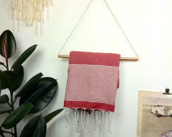 Suspension for towel