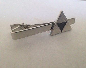The Legend of Zelda Triforce Tie Clip in Silver
