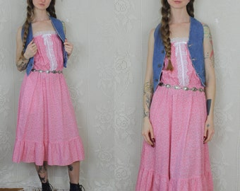Vintage 1960s Romantic Prairie handmade pink & white floral tank dress with lace accents ~ size small/medium