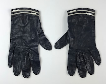 Vintage 1960s navy leather driving gloves ~ size small