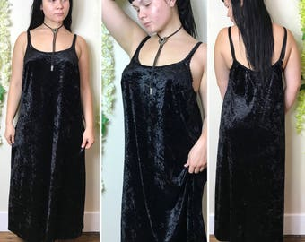 Vintage 1990s More-Jazz crushed black velvet maxi dress size M/L