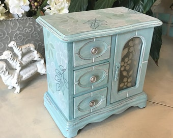 Upcycled Vintage Jewelry Box / Shabby Chic Jewelry Storage / OOAK Designer Womens gifts / Chalk Painted Wooden Jewelry Organizer