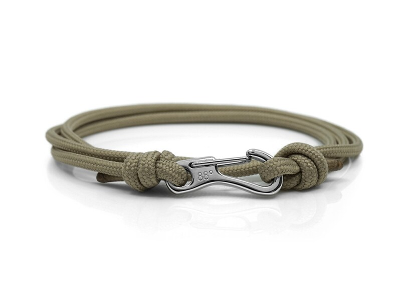 87a560e87abed Sable Beige & argent escalade mousqueton Bracelet Bracelet | Etsy