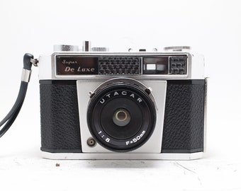 Super De luxe - Plastic Camera- Lomography - Vintage Film - 35mm point shoot camera