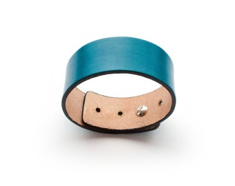 2.5 cm leather cuff, handmade, size adjustable 18-22.5 cm