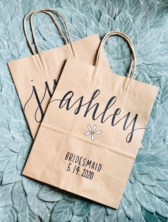 Bridesmaid Gift Bag With Flower | Medium or Large | Brown Kraft Bridesmaid Bags | Wedding Favor Bags | Boho Bridesmaid Gift Bag