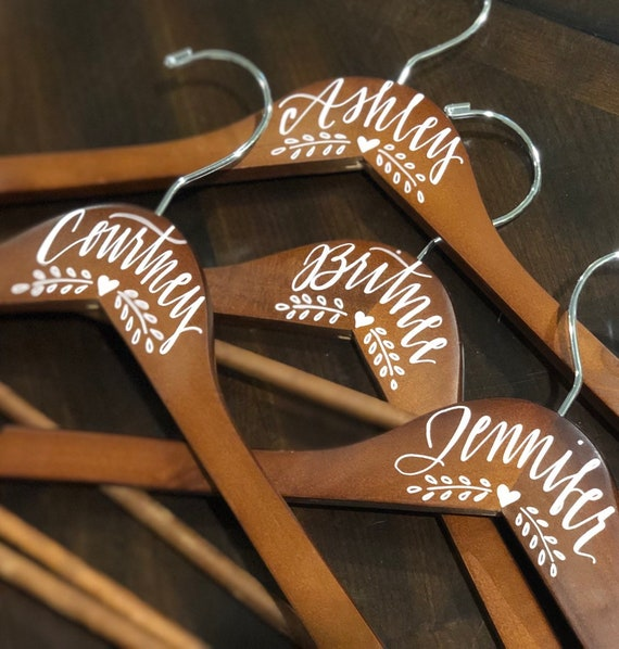 Personalized Hanger with Heart and Laurel Detail, Hand-Lettered, Custom wedding Bride or Bridesmaid Hanger, Bridesmaid Gift, Bridal Hanger