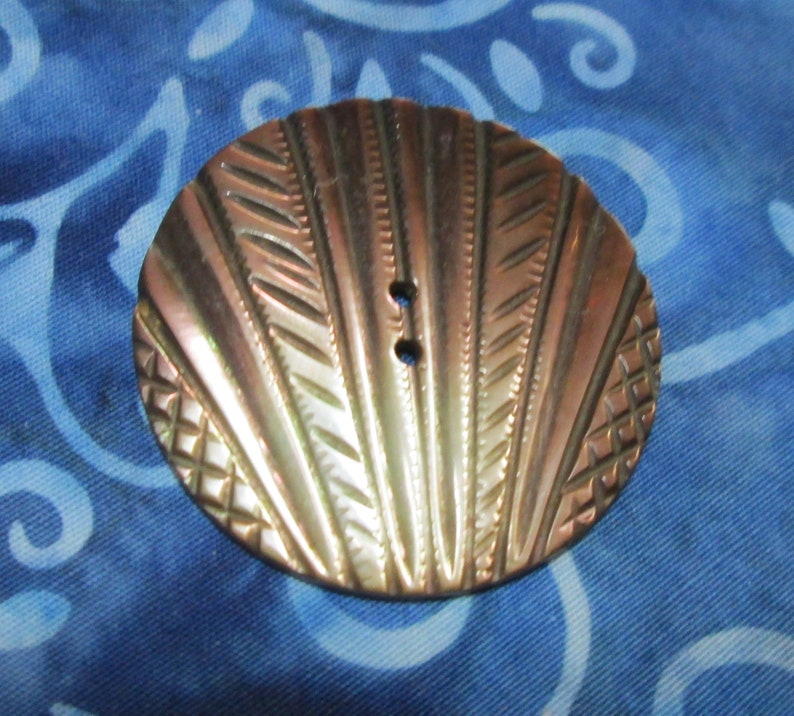Fan Carved Vintage MOP Shell Button Large