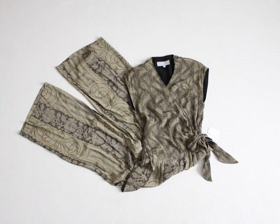 wrap jumpsuit | green floral jumpsuit | tie waist