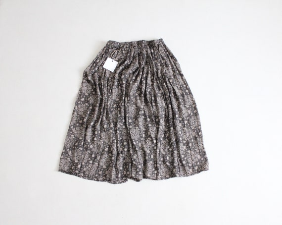 grey floral skirt | floral full skirt | gray circl