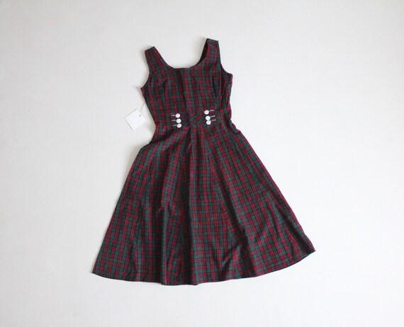christmas plaid dress | plaid corduroy dress | vin