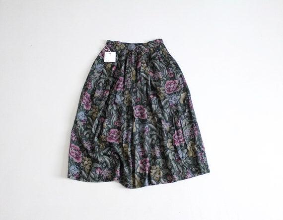 green floral skirt | floral midi skirt | dark flor