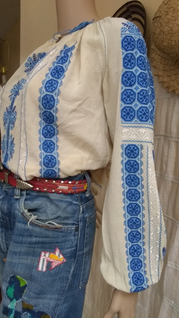 Vintage Hungarian Embroidered Blouse Size S - image 3