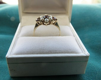 9 Carat Gold Hallmarked Red Stone/Pearl Cluster Ring - Size O