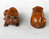 Intricately Carved Boxwood Sharpei Dog Ojime Netsuke Bead 31.5x13.5x12mm Brown